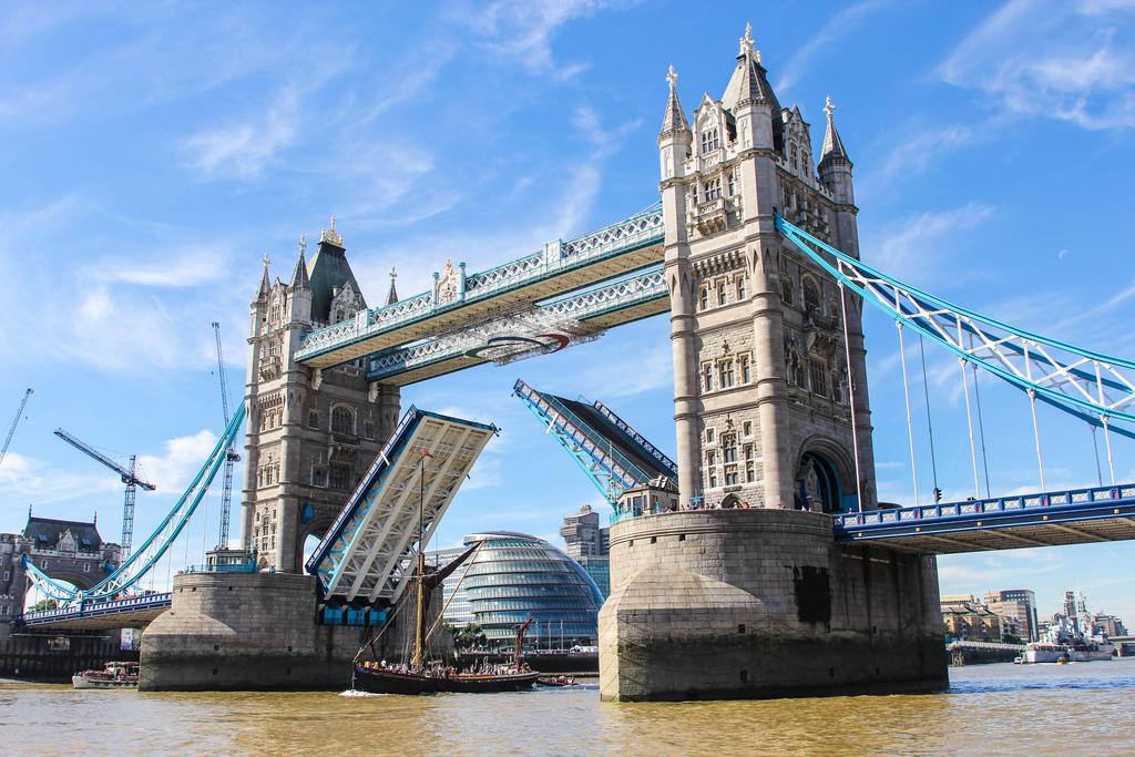 7970059980_f6418a9052_b_london-tower-bridge