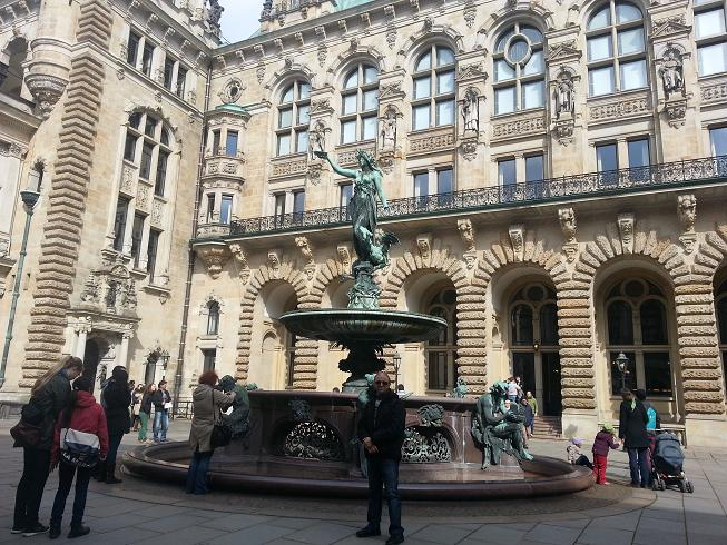 Brunnen Hamburg Rathaus