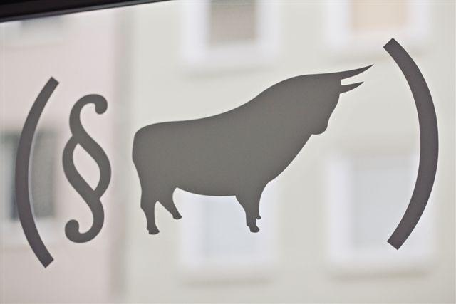 Spanischer Stier vor dem Gesetz